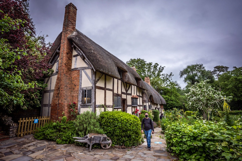This thatched cottage the home of Shakespeares wife, Anne Hathaway